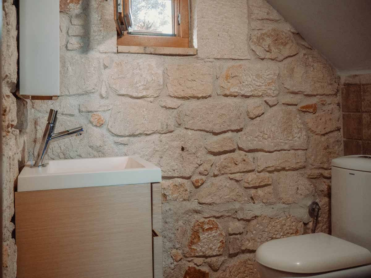 Afytos 1 - Bathroom