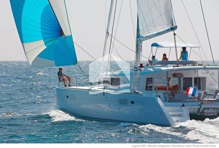 BIKOK 2 catamaran lagoon 450 στα ανοιχτά