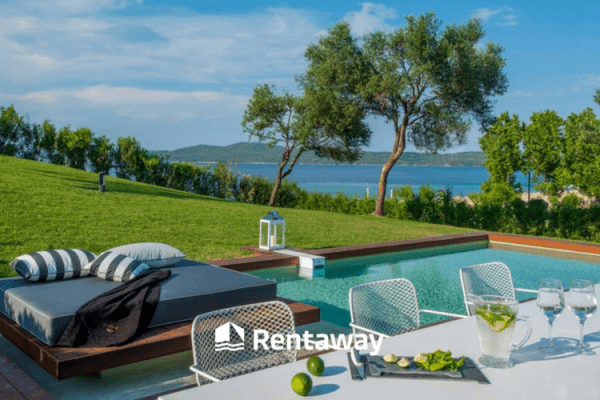 Where should I stay in Chalkidiki? Find the answer Here!