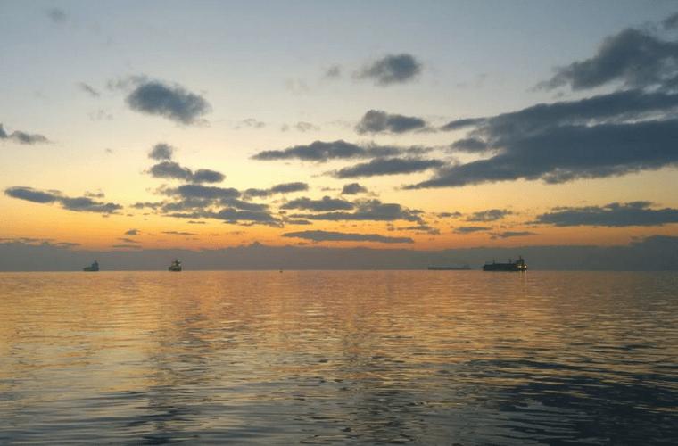 sunset limani thessaloniki