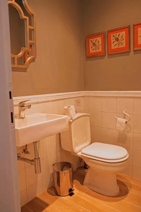 villa alba chiara toilet
