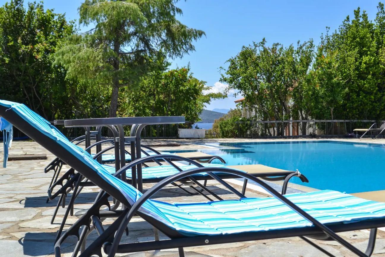 poolside villa alba halkidiki