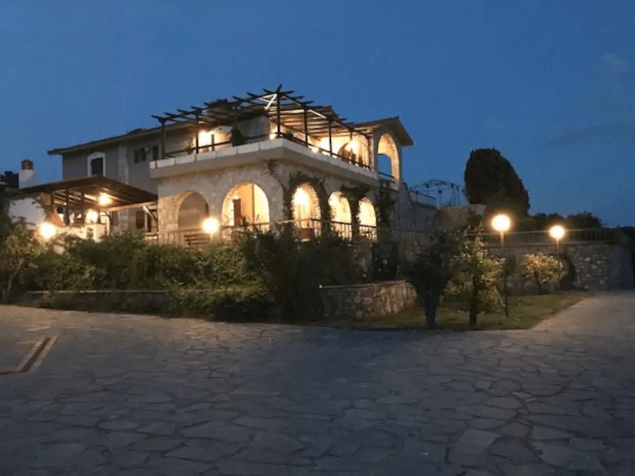 villa alba chiara night