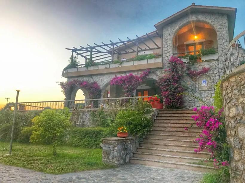 villa alba chiara prosopsi