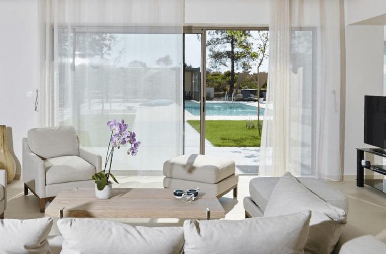 villa blue lagoon diaporos halkidiki