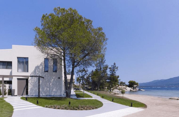 villa blue lagoon outside