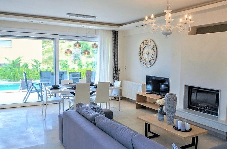 rent villa living room