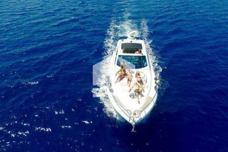 blue-sea-sail-friends