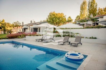 villa-kriopigi-rentaway-pool-area